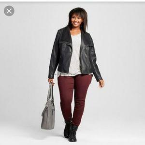 Universal Thread burgundy skinny jeans plus 24W
